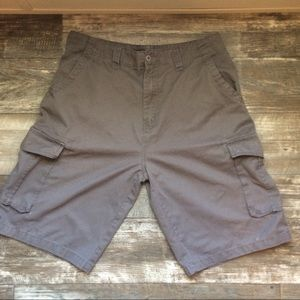 Beverly Hills Polo Club gray cargo shorts size 34